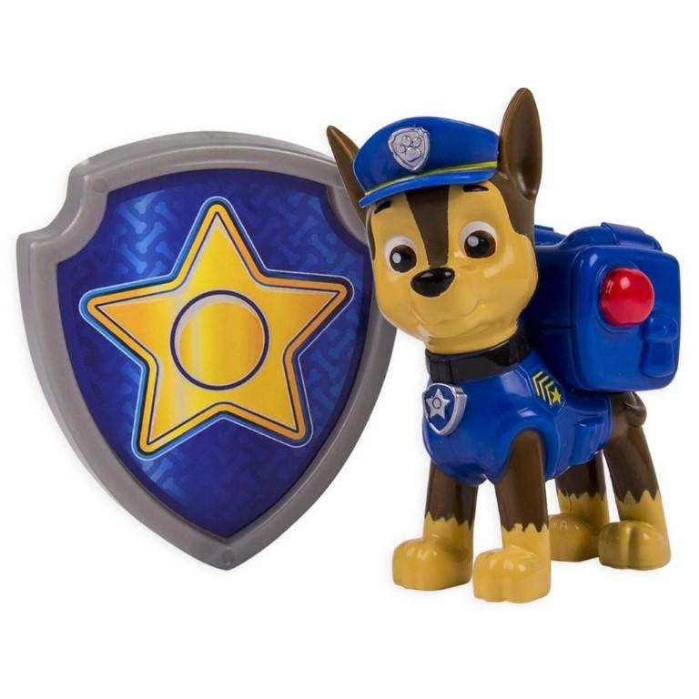 Figurina Si Insigna Paw Patrol Chase Politist 6.3 Cm